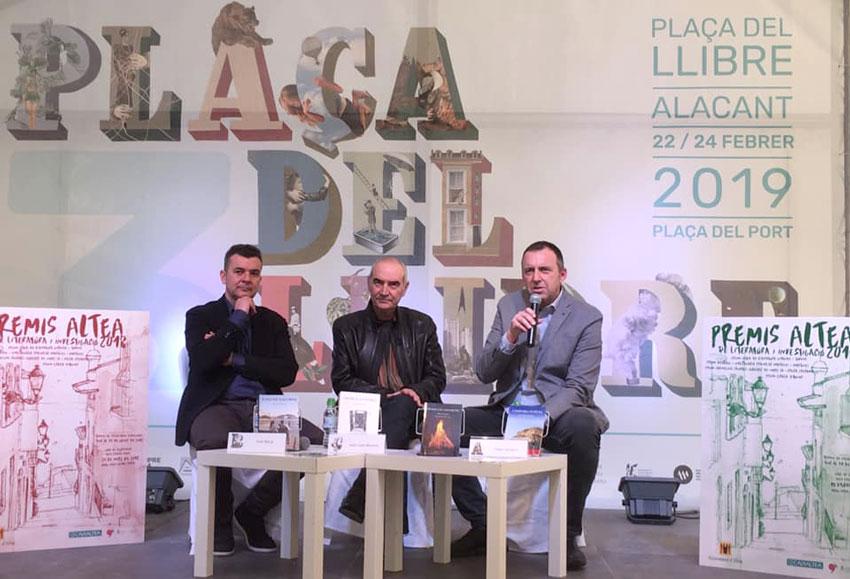 Els Premis Altea convidats a la Plaça del Llibre d'Alacant