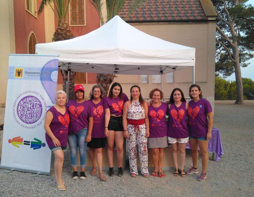 Igualtat informa de la bona acollida del Punt Violeta instal•lat en la nit del Castell de l'Olla