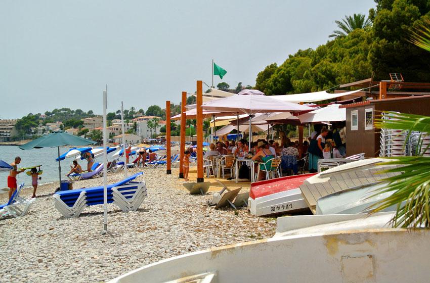 Roque Ferrer anuncia l'apertura de la temporada de xiringuitos i hamaques a les platges d'Altea