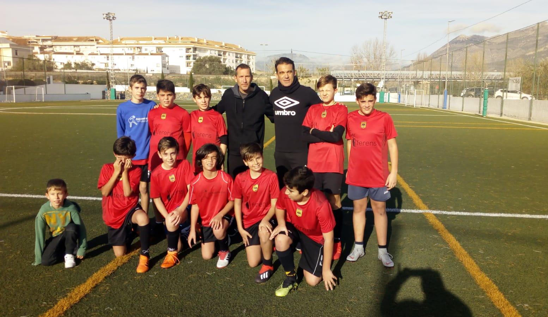 Els alevins de les Escoles Municipals de Futbol comparteixen entrenament amb Luis García Plaza