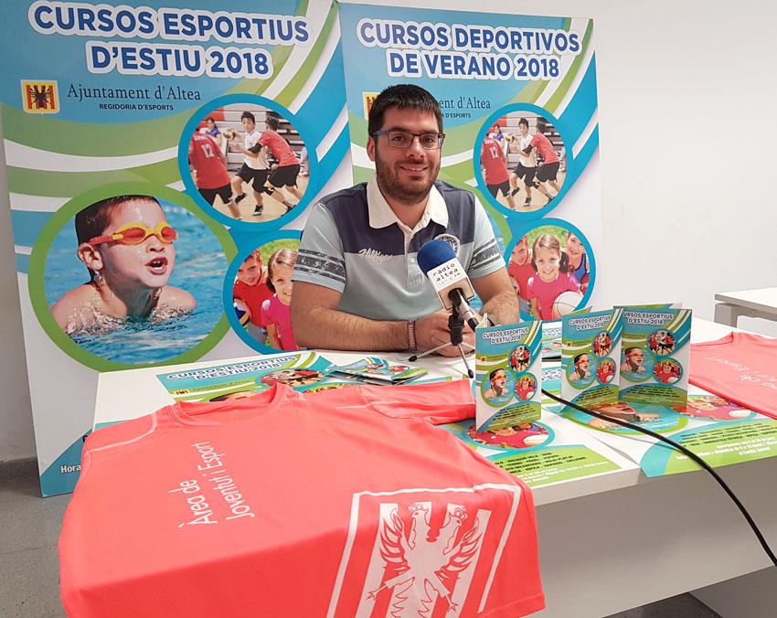El concejal de Deportes presenta la oferta de los Cursos Deportivos de Verano 2018