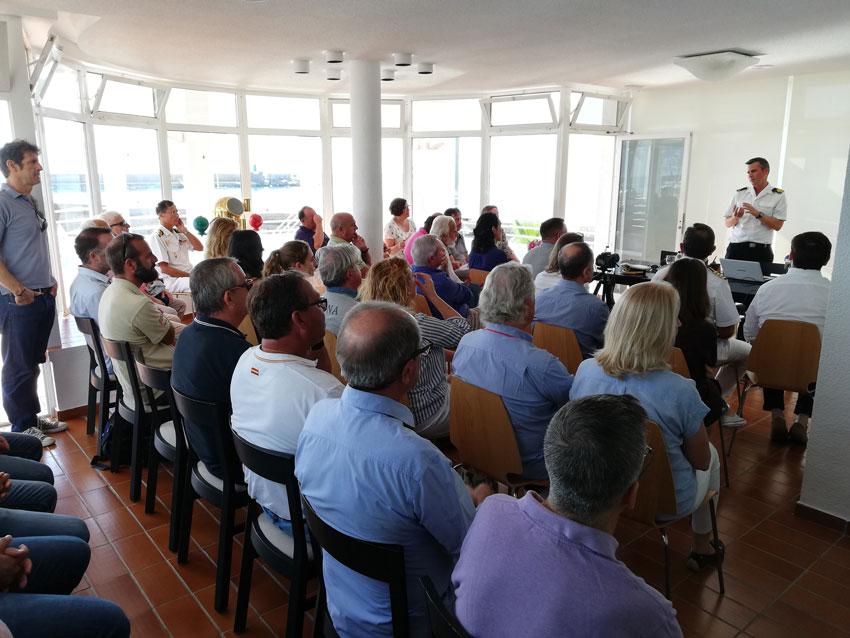 """La conferència """"Campaña Hidrogràfica del BH Malaspina en la Badia d'Altea"""" atrau a gran afluència de públic"""