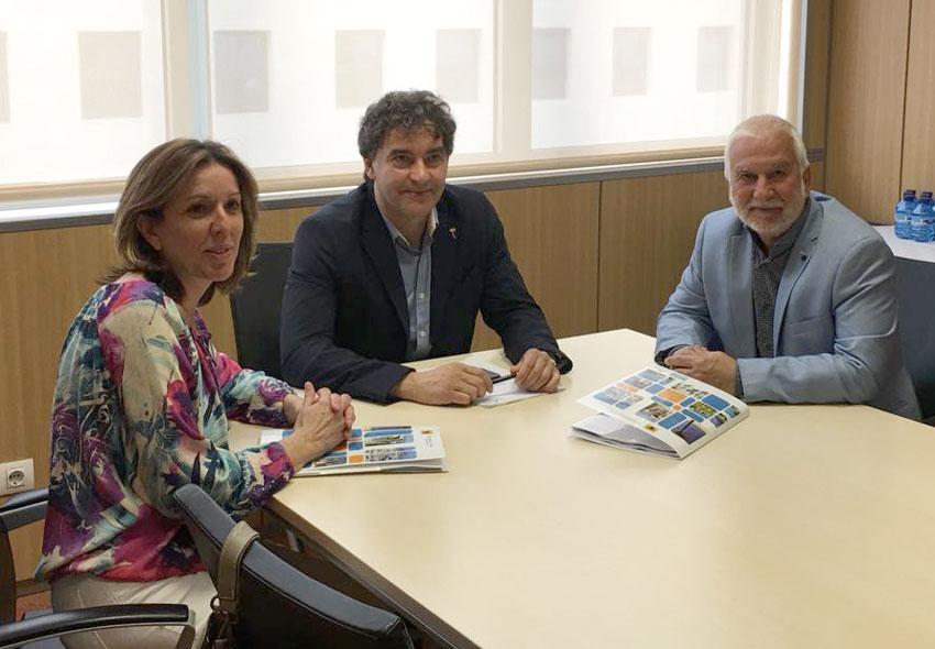 L'alcalde i la regidora de Turisme demanen al secretari autonòmic de Turisme més ajudes per al Castell de l'Olla