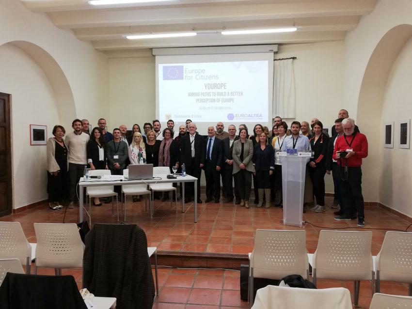 El alcalde pone el acento en el municipalismo como medio para combatir el euroescepticismo