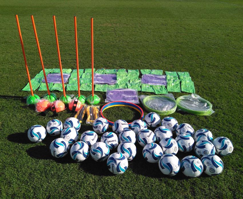 Nou material per a les escoles municipals de futbol