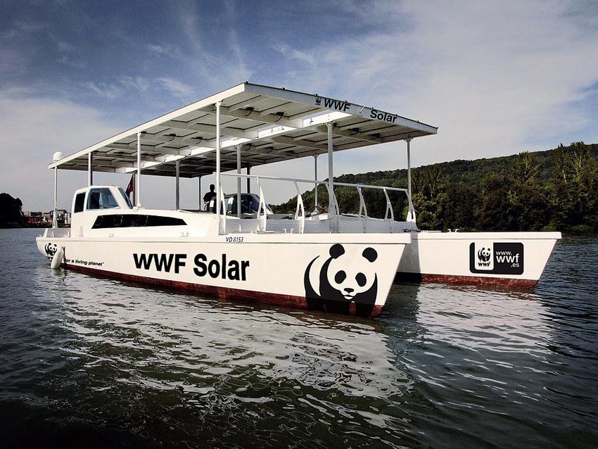 """""""Naturaleza sin plásticos"""" arriba a Altea a bord de la WWF Solar"""