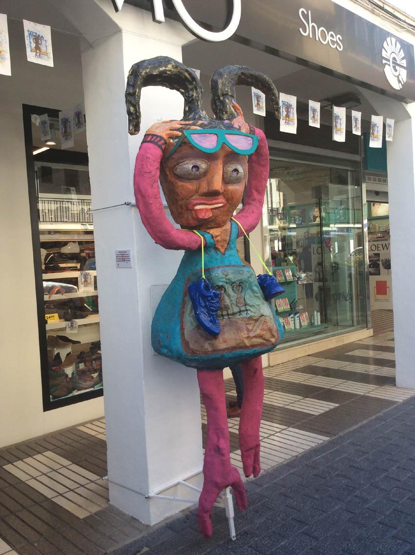"""Ja es pot gaudir dels projectes de """"Compra amb Art"""" en els establiments comercials d'Altea"""