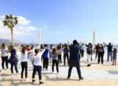 Comerç dinamitza el Passeig Marítim amb un Flash Mob