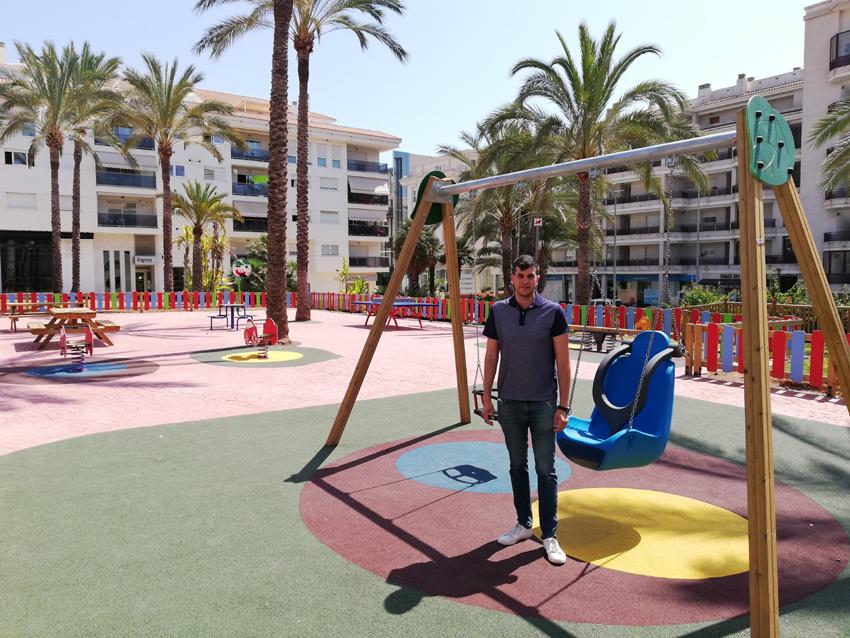 Altea estrena parc infantil al carrer La Trompa