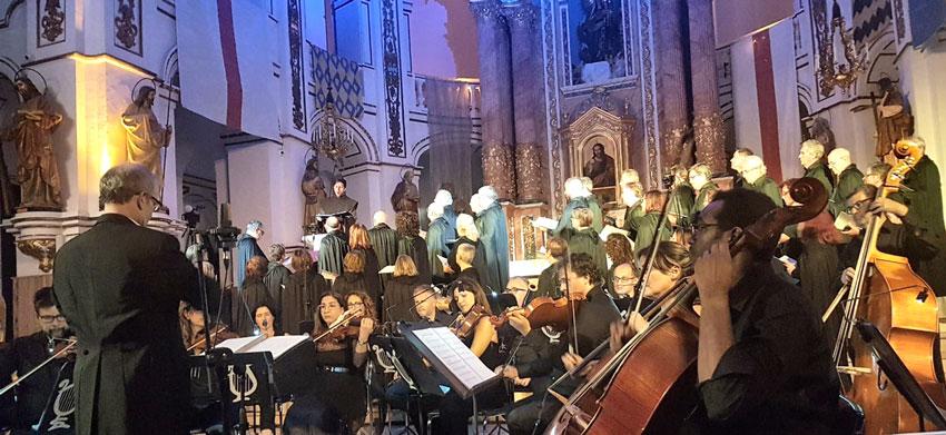 Ple absolut en l'estrena mundial de l'òpera 'Fra Pere el Descalç' a Altea