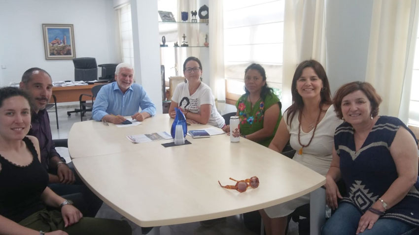 L'alcalde rep a l'activista guatemalenca Lolita Chávez