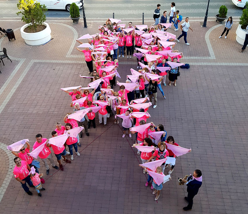 Altea es suma a la commemoració del Dia Mundial contra el Càncer de Mama amb diverses activitats