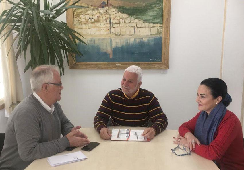 El Alcalde recibe a la nueva dirección de ALCEA