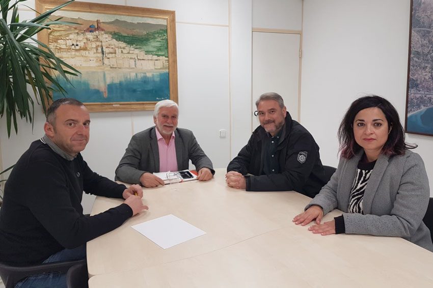 Jaume Llinares felicita a Juan José Ruiz, nou rector de la UMH