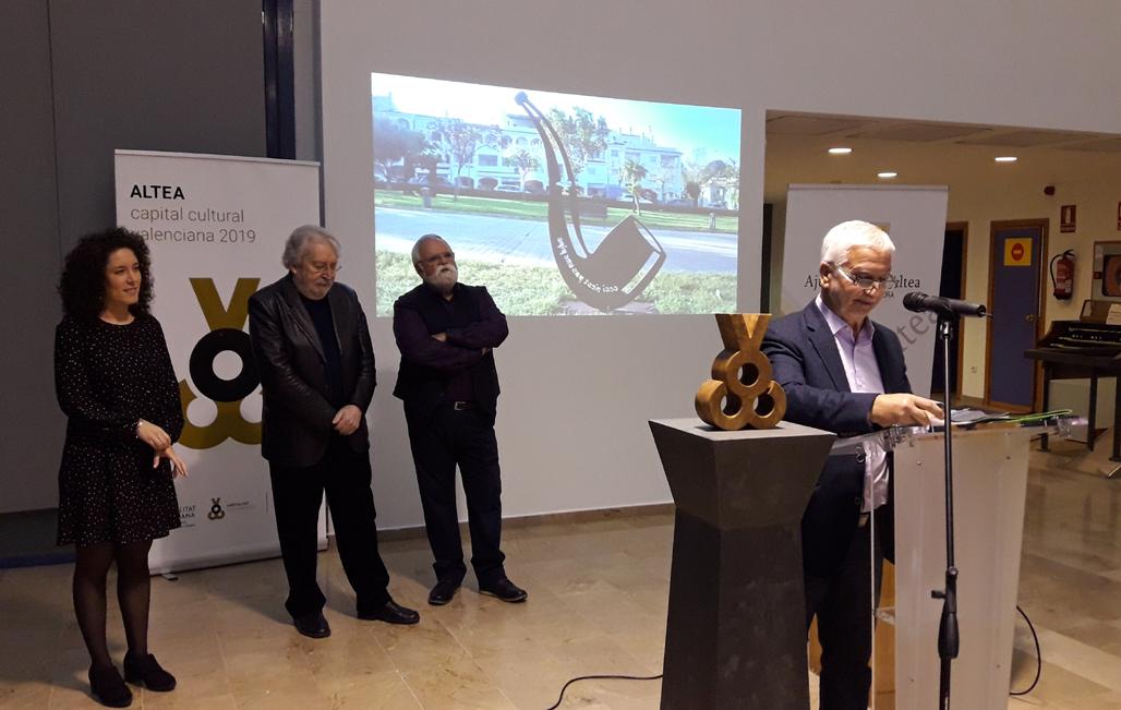 """Antoni Miró inaugura en Altea su exposición """"de mar a mar"""""""