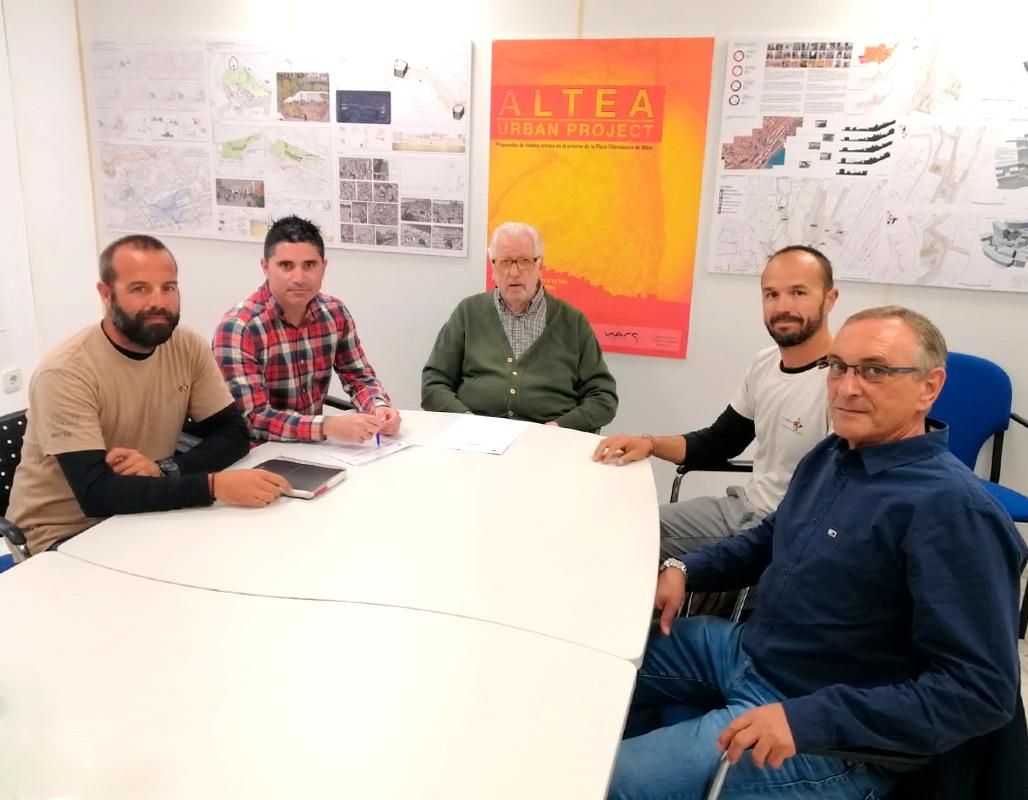 Medio Ambiente y Cofradía de Pescadores firman un convenio de colaboración que da soporte a las artes menores