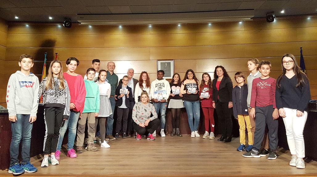 El Consell Municipal de Xiquets i Xiquetes entrega los Premios al Esfuerzo Académico y renueva la mitad de sus miembros