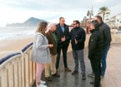 L'alcalde visita les platges i passejos d'Altea per valorar els desperfectes causats pel temporal