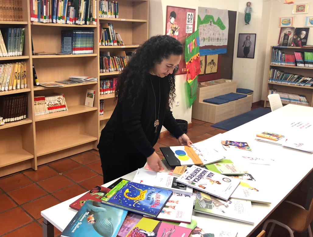 Igualdad hace entrega de una colección de libros igualitarios a las bibliotecas públicas de Altea y Altea la Vella