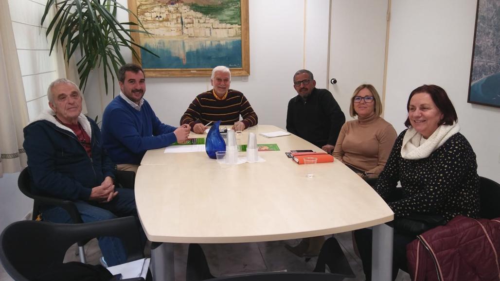 L'Ajuntament manté una reunió amb el delegat sahrauí a Alacant, Lehhbih Alisalem