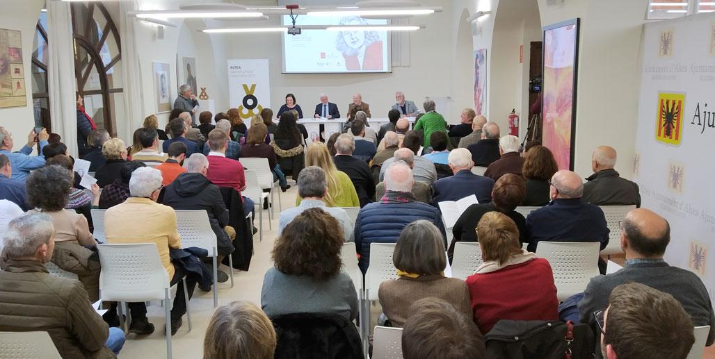 Altea acoge el acto de inauguración del Any Carmelina Sánchez-Cutillas con una amplia participación de la sociedad alteana