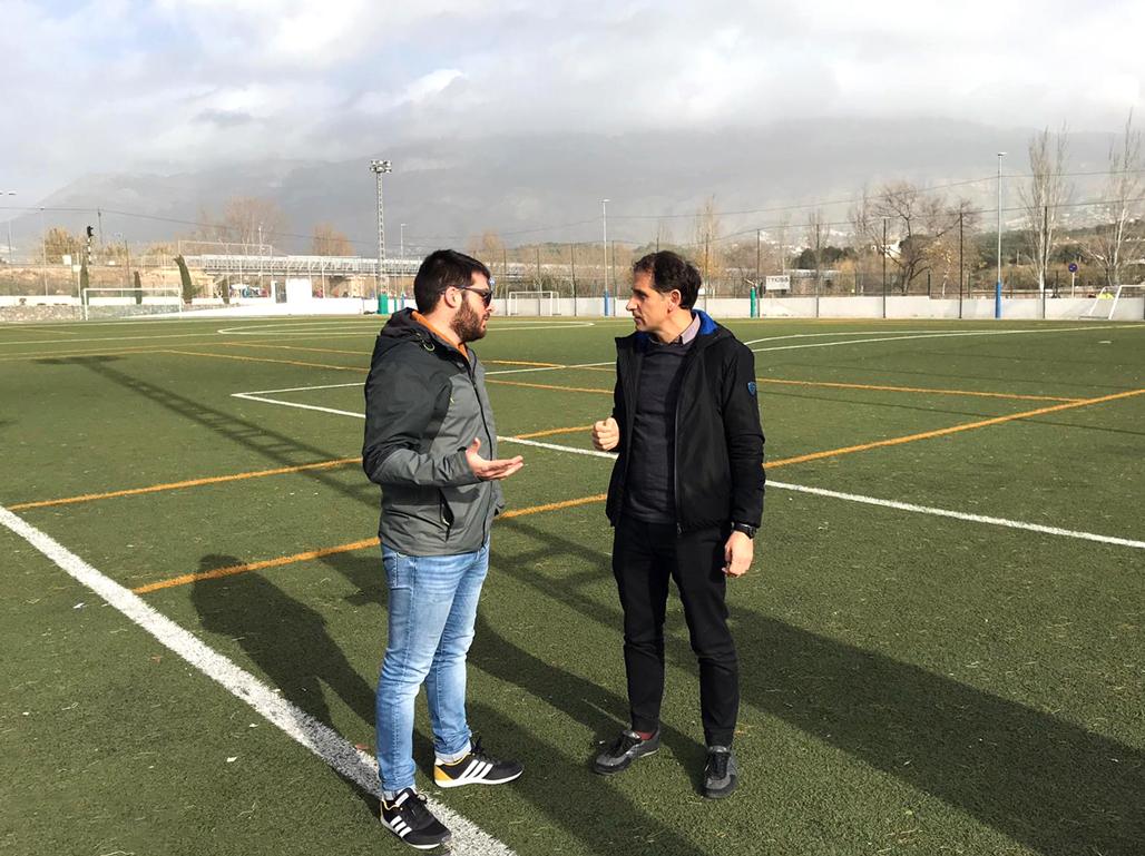 Esports impulsa un projecte per a la renovació i millora del camp de gespa artificial