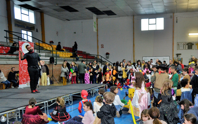 """""""La Familia Simpson"""" y """"La Noria"""" ganan el primer premio del Carnaval de Altea"""