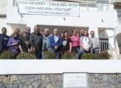Més de mig miler de persones assisteixen a la visita guiada del biòleg Joan Piera sobre el valor mediambiental de la Cala del Soio i l'aflorament volcànic