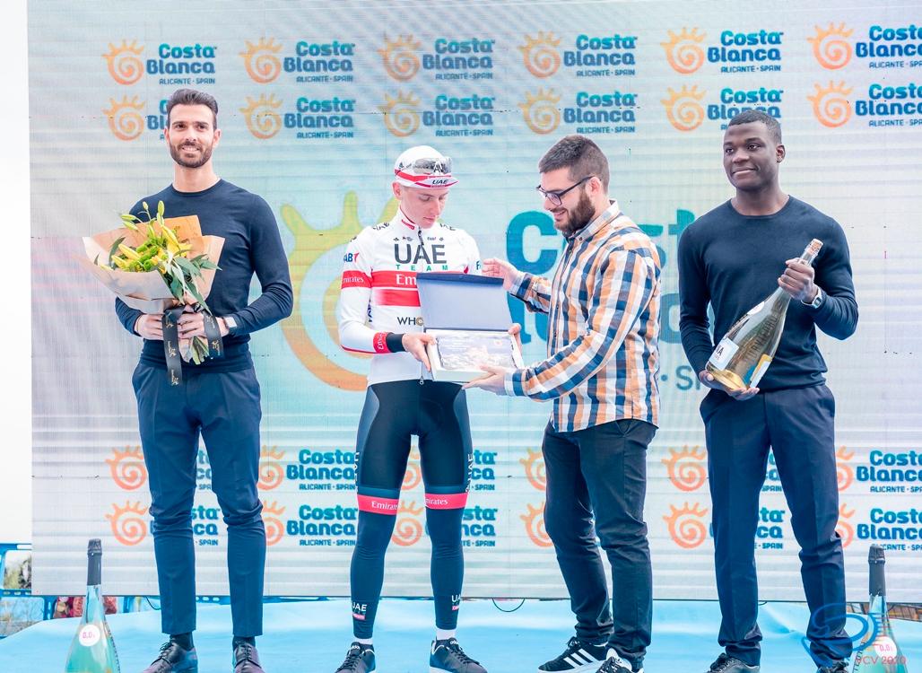 El ganador de la Volta a la Comunitat Valenciana, Tadej Pogacar, vence en la etapa reina en la Serra de Bèrnia
