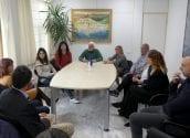 L'alcalde s'ha reunit amb la delegació alteana que va viatjar a Brussel·les, del 2 al 4 de febrer, per assistir a la cloenda del programa Yourope. Durant l'encontre s'han intercanviat impressions amb les tres associacions guardonades amb el Yourope StartUp Europe Awards, i s'ha posat en relleu la oportunitat de desenvolupar una política de voluntariat municipal que tinga avantatges per al consistori i les associacions