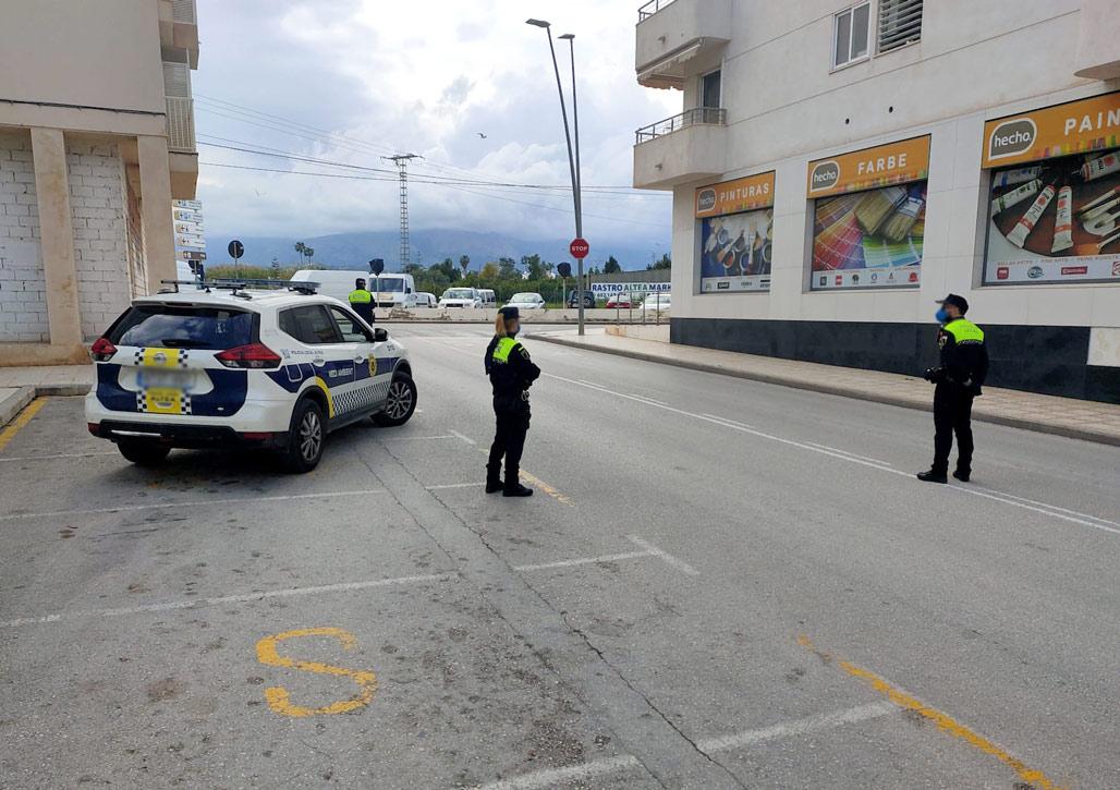 El Ayuntamiento celebra una reunión de seguridad para hacer seguimiento del estado de alarma en Altea