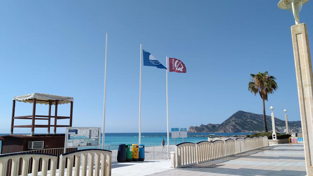 Les platges d'Altea renoven les seues certificacions de qualitat