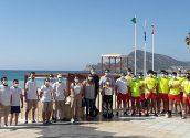 Mig centenar de joves entre auxiliars de platja i socorristes vetllen per la seguretat dels banyistes a Altea