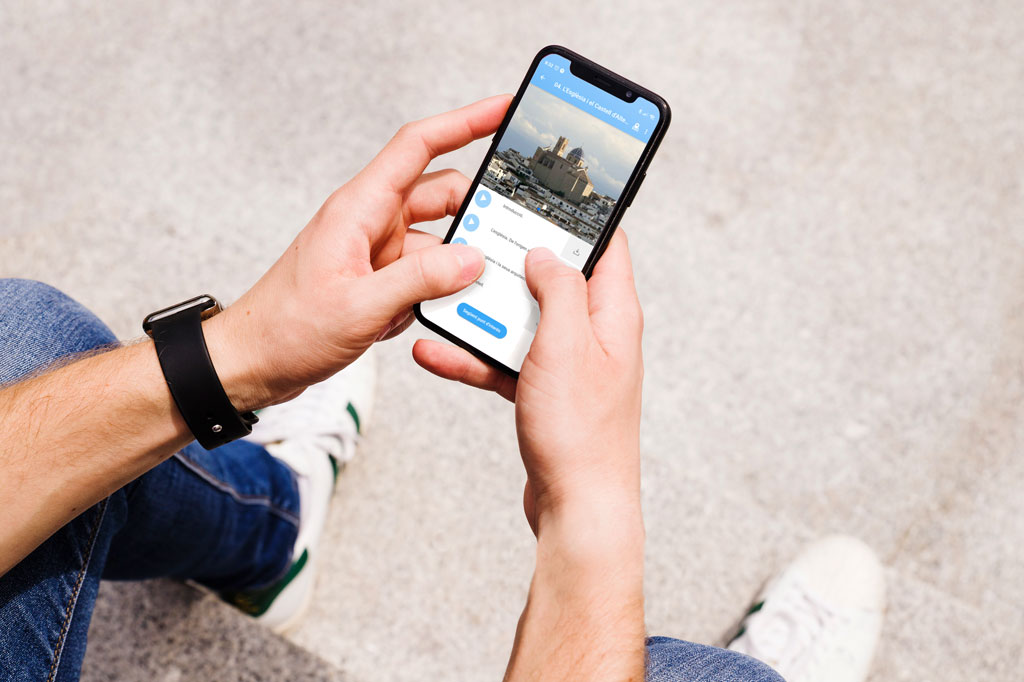 Turisme anuncia la incorporació de tres rutes a l'aplicació Play Altea dedicades a la serra de Bèrnia, l'art i Altea la Vella