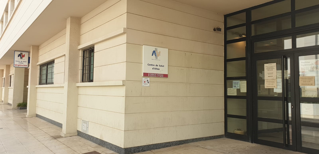 La regidoria de Sanitat i la coordinació del Centre de Salut d'Altea mantenen una reunió de treball