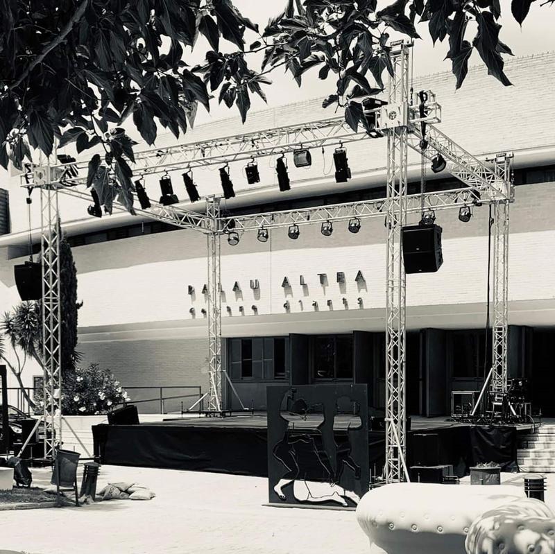 """Palau Altea saca su escenario al aire libre en el espacio cultural """"Palau a la fresca"""""""