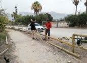 Medi Ambient segueix treballant en el manteniment de la desembocadura del Riu Algar amb la instal•lació de 50 metres de palissada