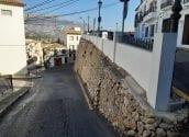 L'assentament del mur de la Costera dels Maxos obliga a inutilitzar durant un temps els contenidors de recollida de residus