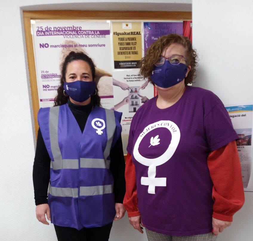 Igualtat entrega material de prevenció contra la COVID-19 a l'Associació Mujeres con Voz