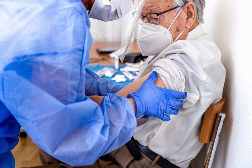 Altea comienza la vacunación a mayores de 90 años