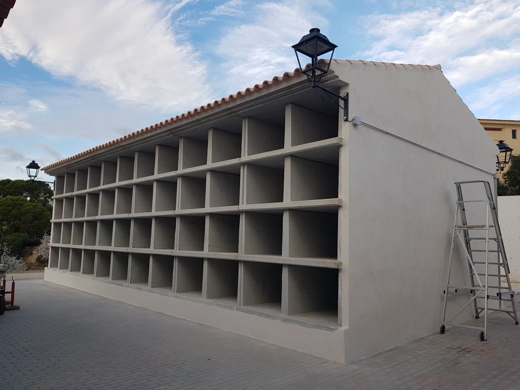 L'Ajuntament executa nous nínxols al Cementeri Municipal