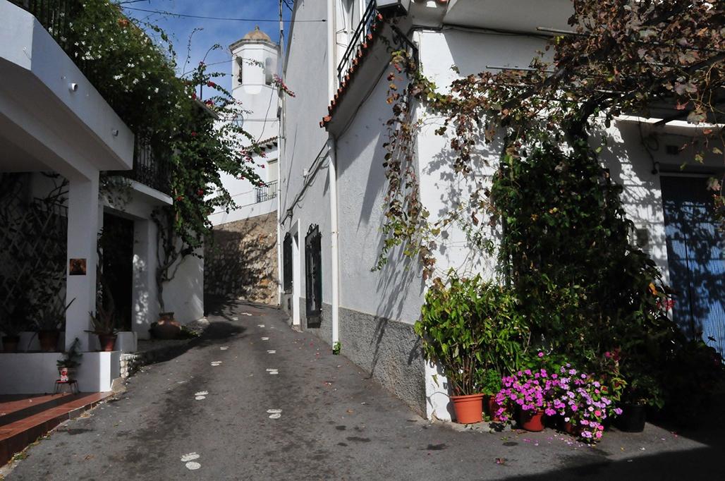 L'Ajuntament renova les xarxes de sanejament i aigua potable al nucli antic d'Altea la Vella