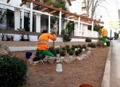 Altea renueva los jardines de Pont de Moncau y la calle Alcoy