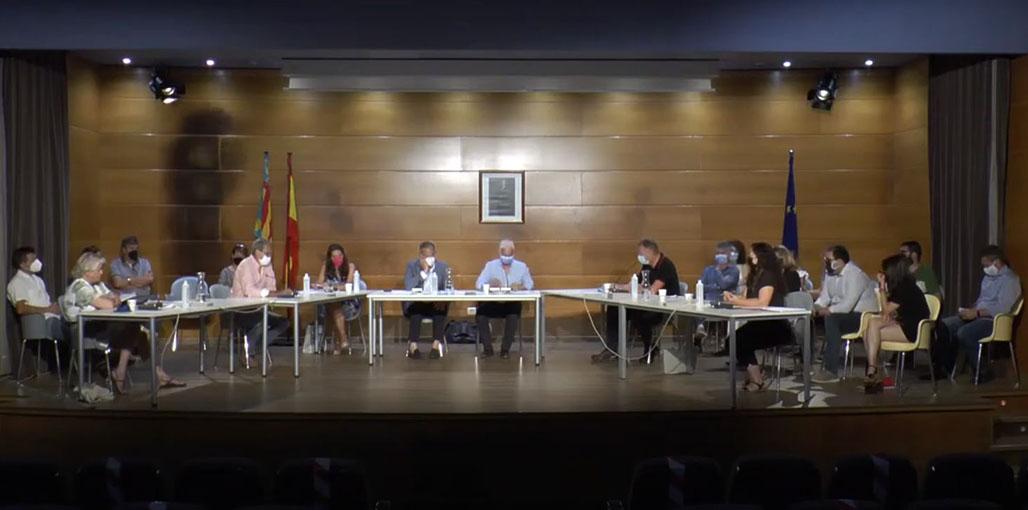 El Pleno aprueba una modificación presupuestaria de 1,7 millones de euros para la realización de obras y mejoras en el municipio