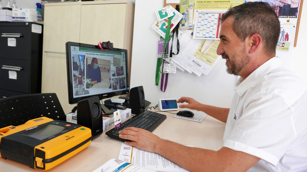 El Concejal de Bienestar Social expone en la IV Xarxa Salut las iniciativas aplicadas en Altea durante la pandemia