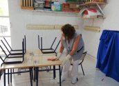 La pública realitza una neteja intensiva per a l'inici del curs escolar